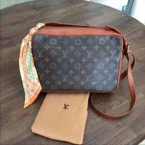 Louis Vuitton Sac Bandouliere Monogram Handbag
